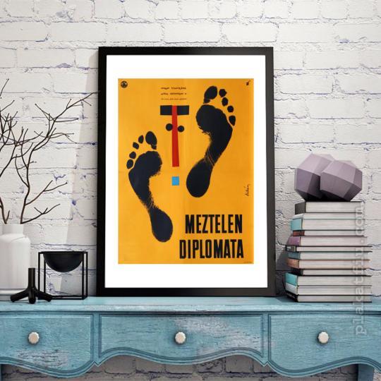 Meztelen diplomata filmplakát